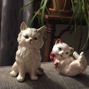 Vintage ceramic cat figurines. Made Japan 1940s 50